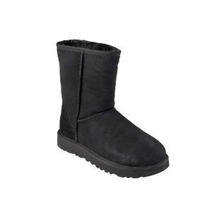 UGG short black boot
